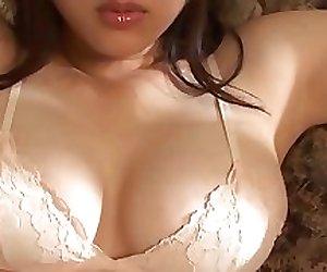 Mami Nagaoka Sexy in Lingerie - non nude