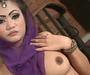 Oriental Solo With Sext Aun